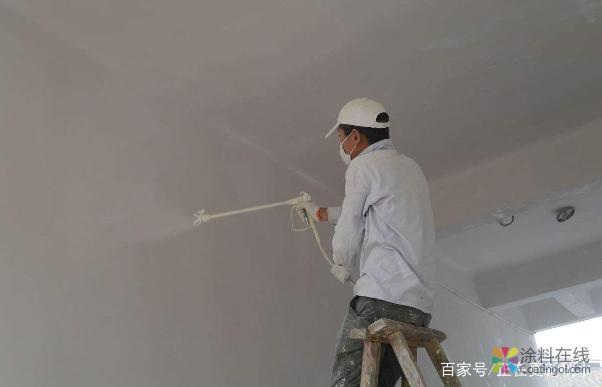 装修墙面时刷乳胶漆涂料,用这5种小方法选择质量好的乳胶漆 中国涂料在线,coatingol.com