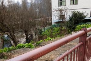 贵州安顺紫云县格景区不锈钢护栏木纹漆施工项目案例