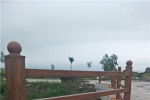 天津河道护栏仿木纹漆施工效果